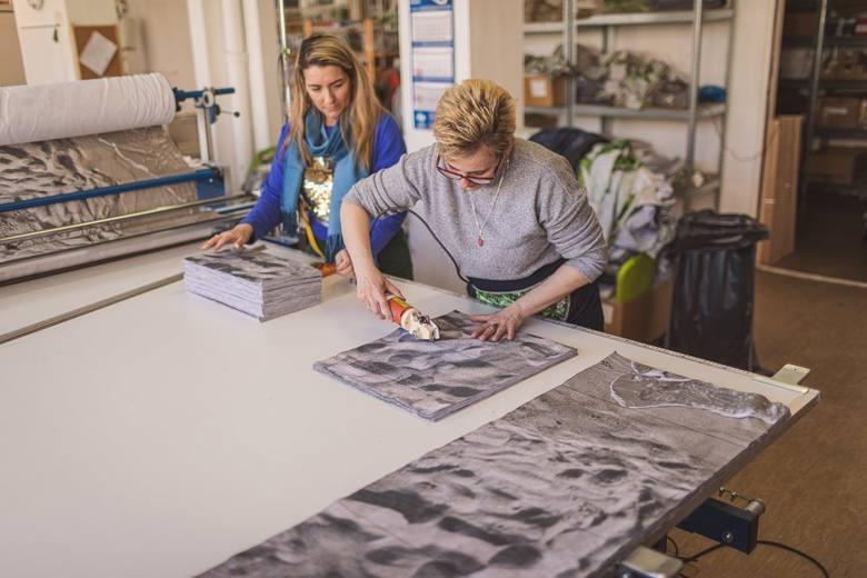 Szczecińska marka pościelowa zaczyna produkcję maseczek i dzieli się materiałem z wolontariuszami