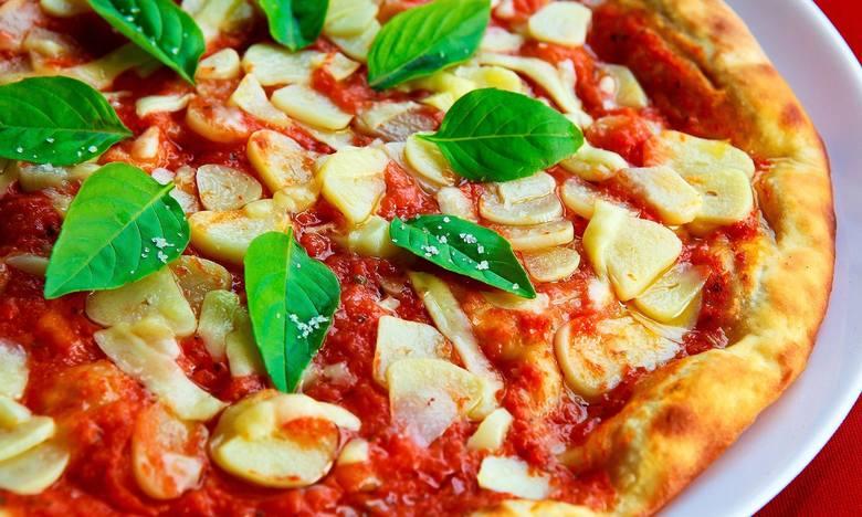 Kto serwuje najlepszą pizzę w Poznaniu? Sprawdź ranking portalu TripAdvisor, który opiera się na opiniach internautów. Oto TOP 15 pizzerii w Poznaniu!Zobacz