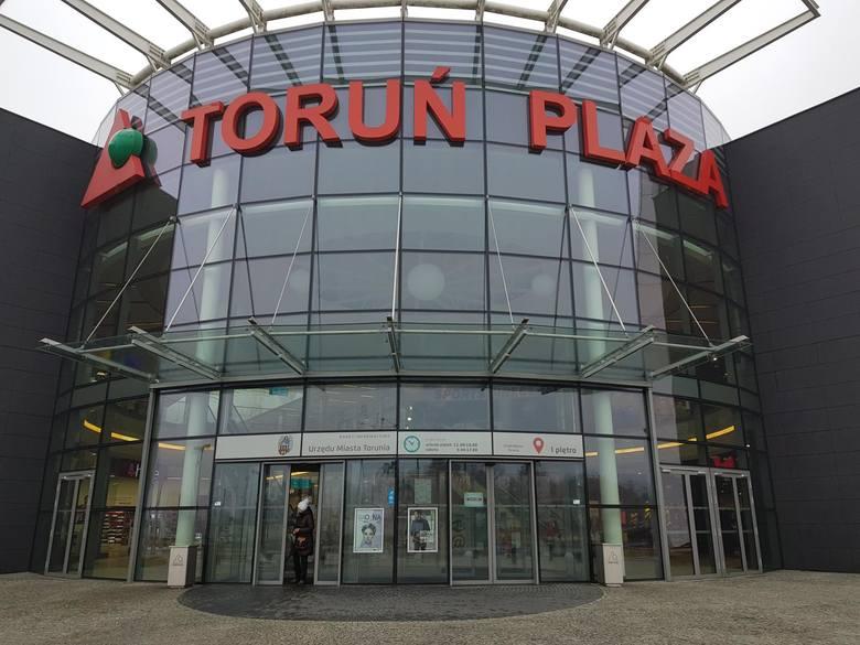CH Toruń Plaza. Otwarte są:1. LIDL 08:00-21:00 (wejście przy Rossmannie, poziom 0)2. Rossmann 09:00-21:00 (wejście przy Rossmannie, poziom 0)3. Hebe