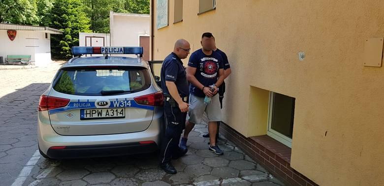 We wtorek, kierowca jadący drogą nr 163 zauważył podejrzanie poruszający sie samochód marki Volksvagen Golf. Podjął próbę zatrzynia pojazdu i zabrał