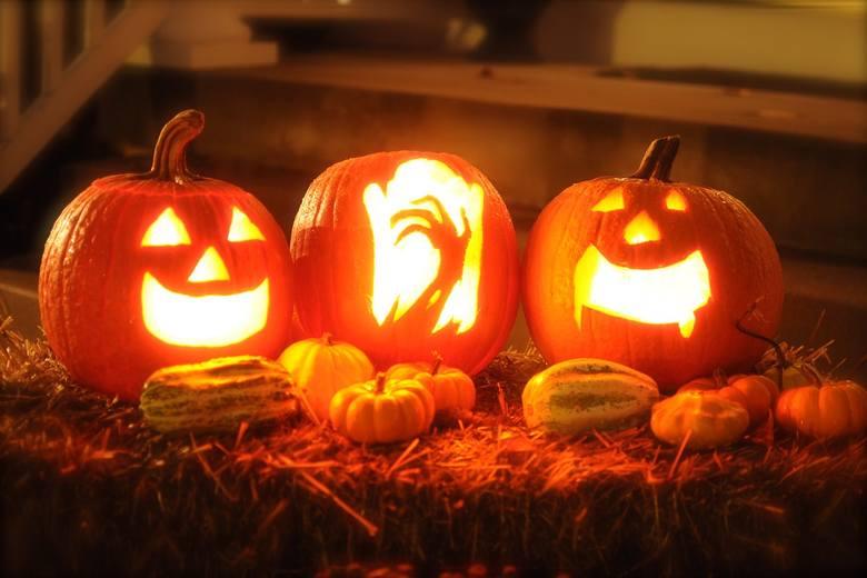 Dynia na Halloween. Jak wykonać ciekawą dynię na Halloween? [NAJLEPSZE WZORY]