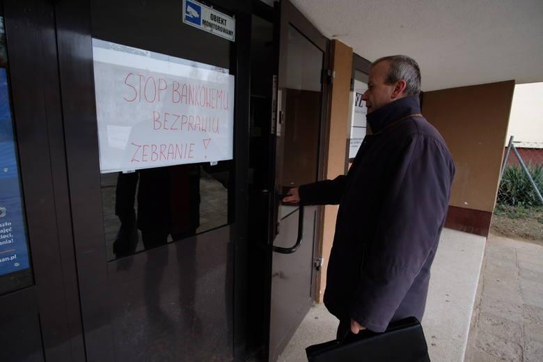 """W sobotę stowarzyszenie """"Stop Bankowemu Bezprawiu"""" utworzyło struktury w regionie. Działa w nich m.in. Piotr Dembny z Poznania, który w październiku wygrał z Multibankiem w sądzie"""