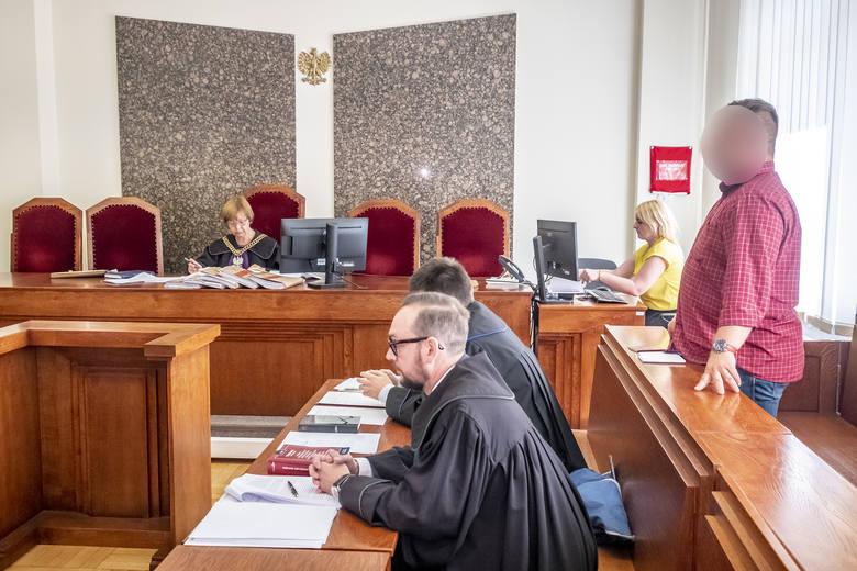 W poznańskim Sądzie Okręgowym odbyła się poniedziałek, 17 czerwca, pierwsza rozprawa w sprawie Macieja M. i hodowli zwierząt w Pyszącej.