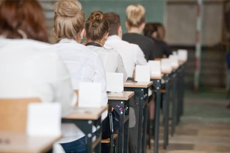 Poprawkowowy egzamin maturalny w woj. śląskim zdaje ponad 6 tys. uczniów.