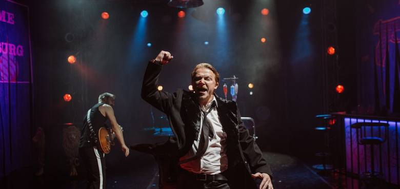 Miłość w Leningradzie: szykujcie się na ostrą, rockową balangę i... kaca RECENZJA
