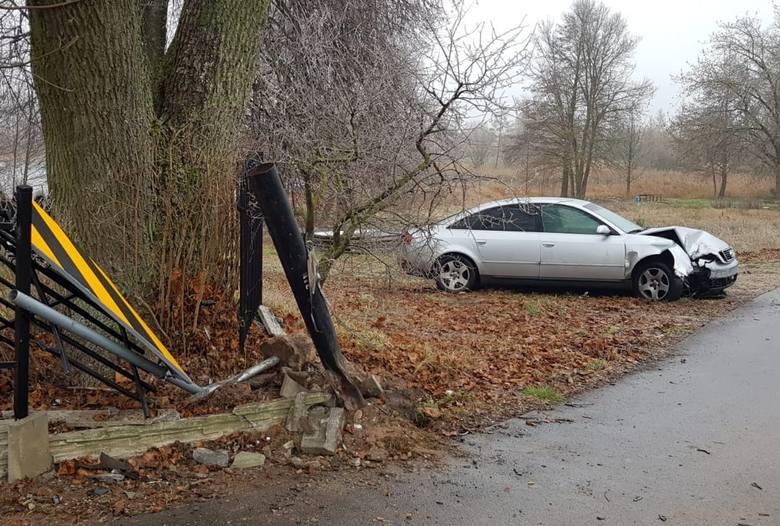 Policjanci wyjaśniają dokładne okoliczności wczorajszego wieczornego zdarzenia na terenie gminy Prostki. Z dotychczasowych ustaleń wynika, że 18-latek