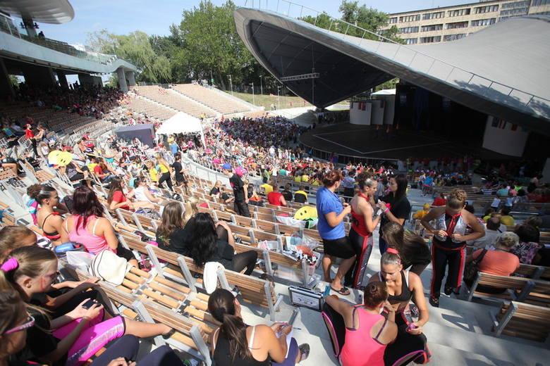 W czwartek w opolskim amfiteatrze rozpoczęły się IX Mistrzostwa Europy Mażoretek w Opolu