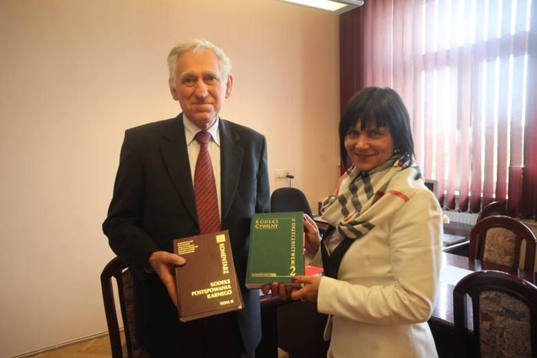 - Studenci Jańskiego nauczą się także, na czym polega praca mediatora - mówią Zbigniew Konowalczuk i Bożena Grębowiec.