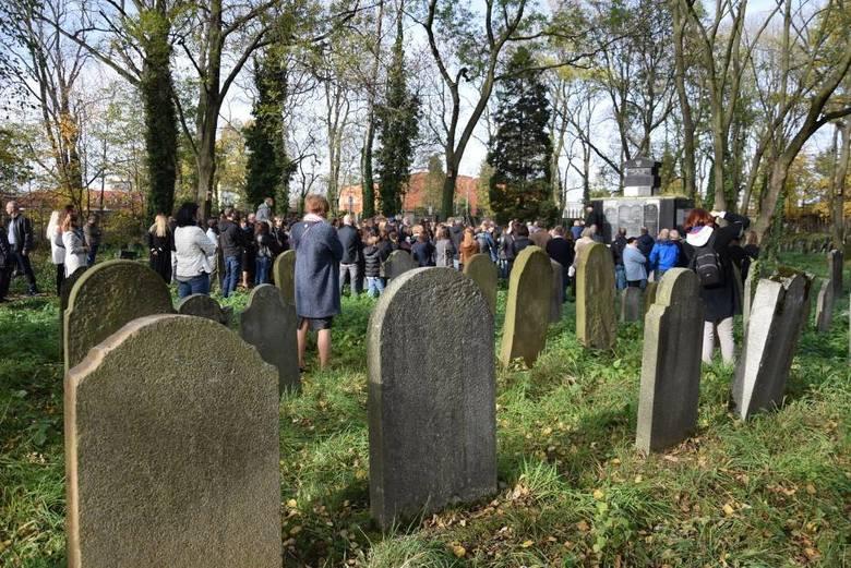 W niedzielę można zwiedzić cmentarz żydowski w Oświęcimiu z dr. Jackiem Proszykiem