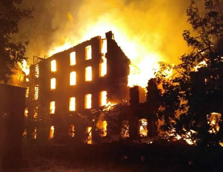 Pożar na ul. Kolejowej w Poznaniu wybuchł 29 sierpnia.