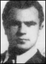 """Jeden z najsłynniejszych uciekinierów z KGB w historii. Był o tyle szczery, że za powód swej ucieczki podał """"rozczarowanie komunizmem oraz intrygi i"""