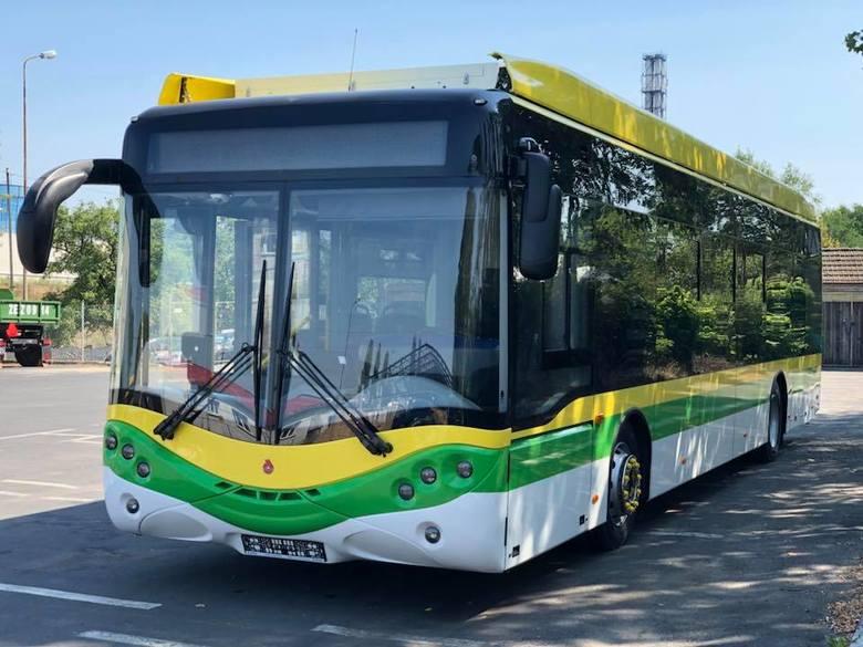 Prezydent Janusz Kubicki zamieścił w piątek 17 sierpnia na swoim profilu Facebooka zdjęcia z pierwszego elektrycznego autobusu od Ursusa, który przyjechał