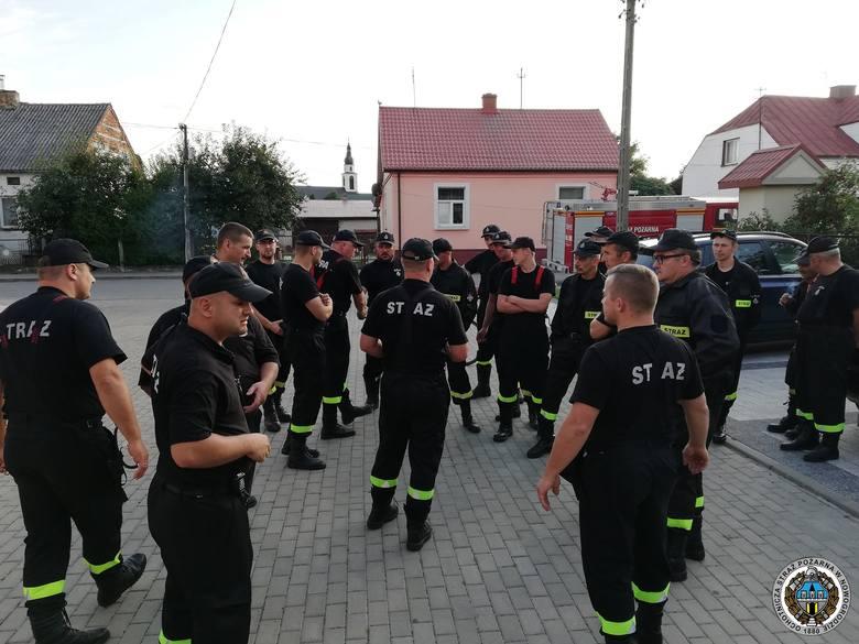 Strażacy z OSP Nowogród wczoraj informowali mieszkańców o planowanej ewakuacji