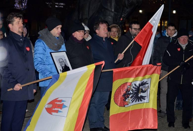 """MalborkUlicami Malborka przeszedł marsz """"Stop Nienawiści"""" po śmierci prezydenta Pawła Adamowicza"""