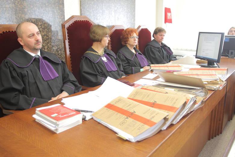 Zabójstwo Ziętary: Jasnowidz z Człuchowa nie czyta książek i dokumentów. Co zeznał przed sądem?