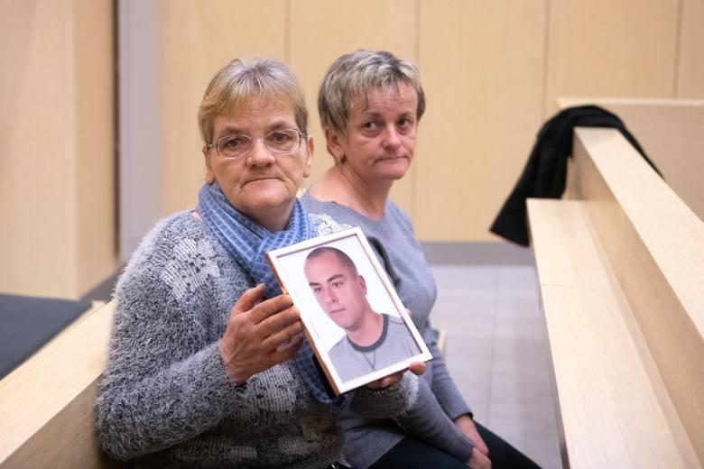 Tomasz J, który jest oskarżony o zabójstwo pięciu osób, usiłowanie zabójstwa kolejnych 34 osób i doprowadzenie do wybuchu w kamienicy na Dębcu, nie przyznaje