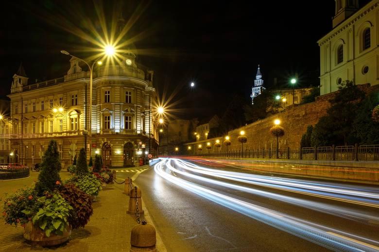 Bielsko-Biała: 2026 zł na głowę. Jeden sklep/bar przypada na 231 dorosłych mieszkańcówPierwsze miasto w zestawieniu według alfabetu - i od razu rekord