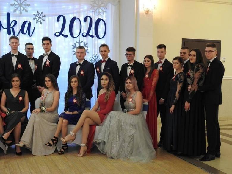 Studniówka 2020. Maturzyści z Zespołu Szkół nr 6 w Suwałkach szaleli na parkiecie (zdjęcia)