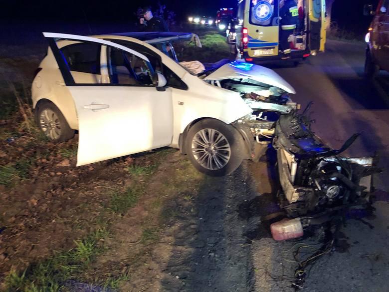 W niedzielę (21 kwietnia) o godzinie 21:30 doszło do śmiertelnego wypadku na drodze między Szczypkowicami a Warblinem (gmina Główczyce). Niestety pomimo