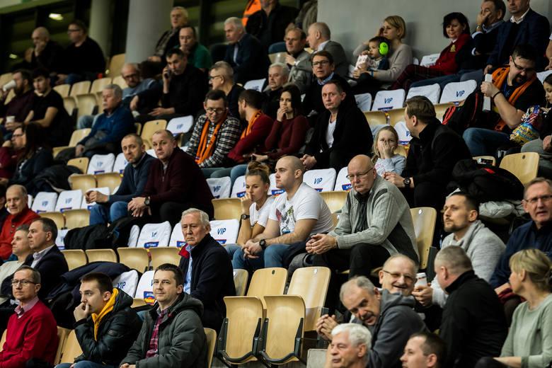 Koszykarki Artego Bydgoszcz pewnie wygrały w rewanżu z czeskim Basketball Nymburk i w II rundzie play-off EuroCup zagrają z węgierskim KSC Szekszard.Artego