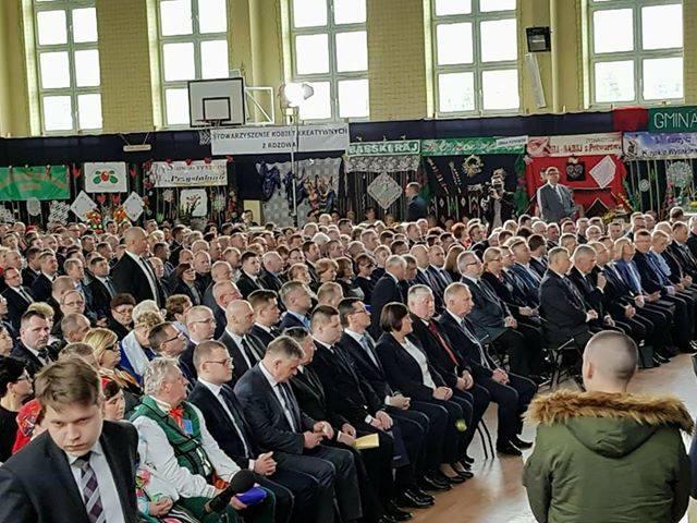 Podczas ogólnopolskich obchodów Dnia Sołtysa, które odbyły się w niedzielę w Przysusze delegacja z Wasilkowa spotkała się premierem Mateuszem Morawi