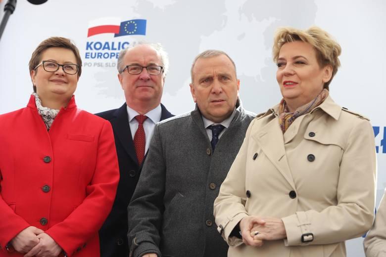 - Mieliśmy jako samorządowcy trzy videokonferencje z premierem Mateuszem Morawieckim, który obiecywał pozostawienie do decyzji miasta sprawy zawieszania