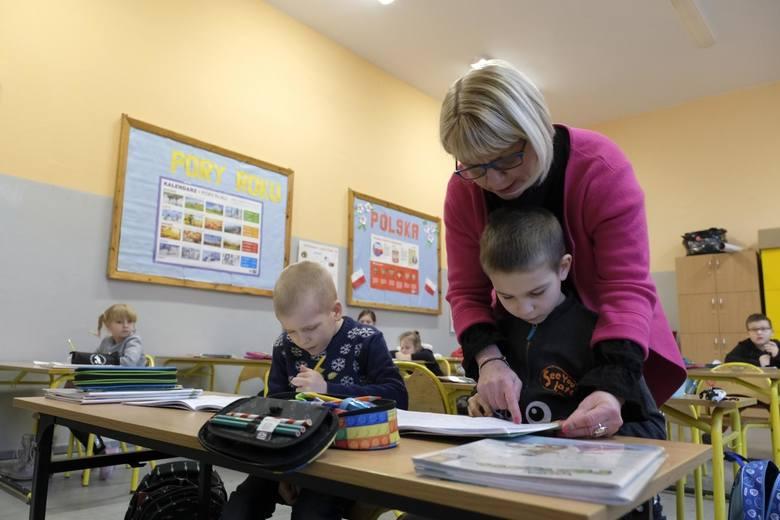 Najgorsze szkoły podstawowe w Katowicach nie przygotowują należycie do egzaminów ósmoklasistów. Taki wniosek płynie z analizy postepów w nauce i ocen.To