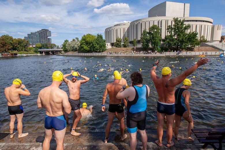 Około 560 zawodników zmierzyło się z wartkim nurtem Brdy w ramach Wody Bydgoskiej.Wśród uczestników pojawił się olimpijczyk Paweł Korzeniowski i mistrz