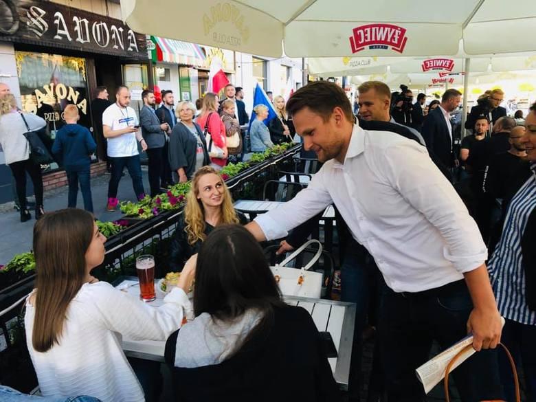 Od piątku trwa zmasowana akcja polityków PO w Białymstoku. Liderzy tej partii wyszli na miasto, żeby pokazać się białostoczanom. Prym wiedzie Krzysztof