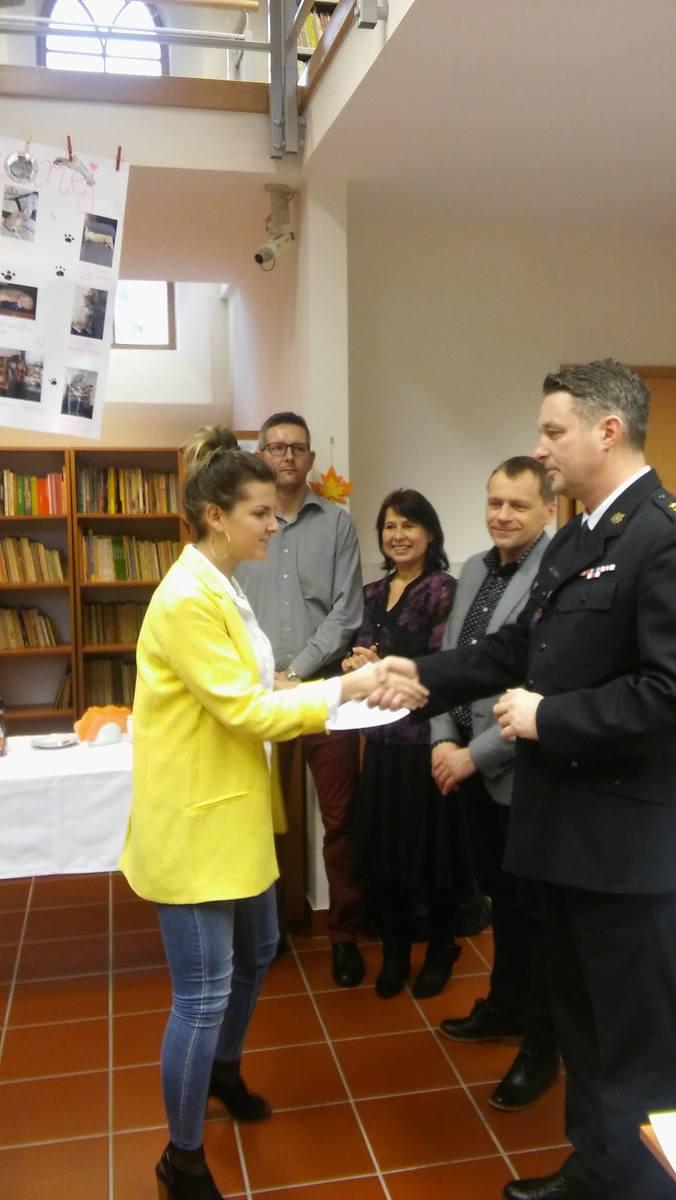 """Eliminacje miejskie Ogólnopolskie-go Turnieju Wiedzy Pożarniczej  """"Młodzież zapobiega pożarom"""" odbyły się w SP2. Organizatorem była OSP Chełmno, a udział"""