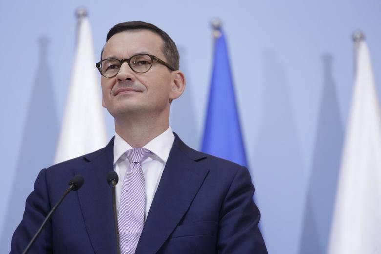 """Premier Mateusz Morawiecki i prezes PiS Jarosław Kaczyński zapewnili, że """"Piątka na 100 dni"""" to element dalszego budowania najważniejszej zalety ich"""