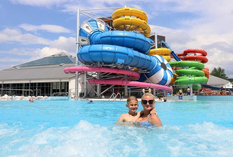 Siłownie, kluby fitness, kręgielnie, baseny i aquaparki od piątku 28 maja będą mogły wreszcie przyjąć klientów. Także w piątek restauratorzy mogą gościć