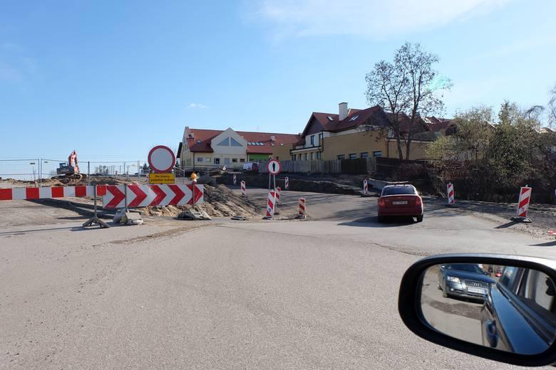 Budowa ulicy Klepackiej miała zakończyć się jeszcze w tym roku, ale patrząc na postęp prac można mieć wątpliwości co do dotrzymania terminu.