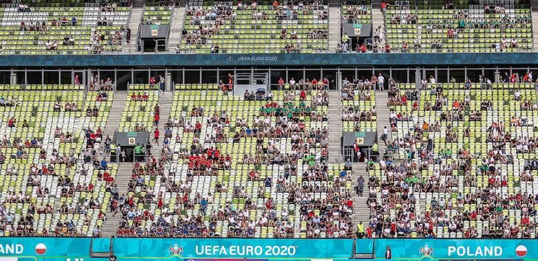 Kibice na otwartym treningu reprezentacji Polski w Gdańsku (10.06.2021)