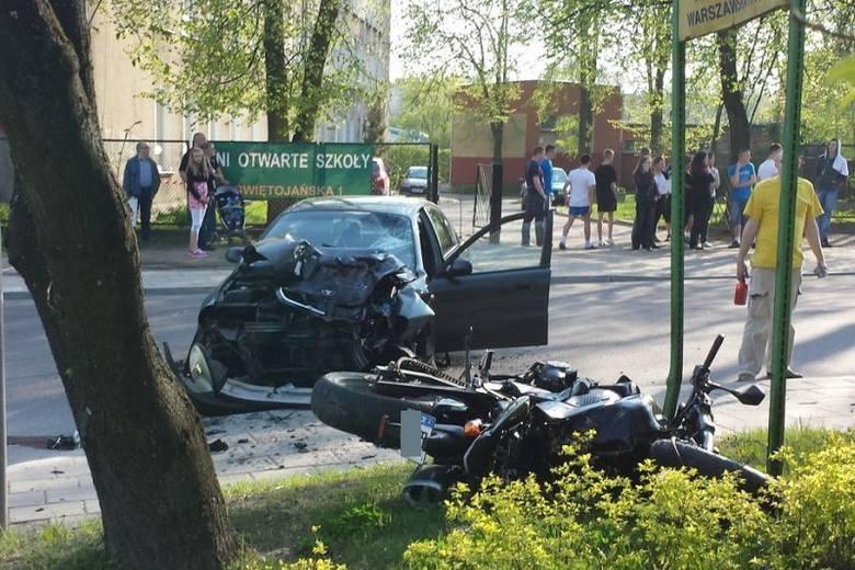 Ul. Warszawska 67. Śmiertelny wypadek motocyklisty (zdjęcia)