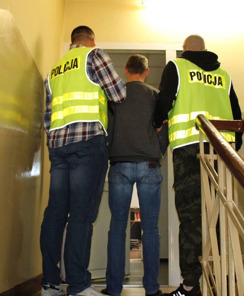 Łowicka policja zatrzymała sprawców kradzieży naczepy z ładunkiem o wartości ponad 100 tys. zł