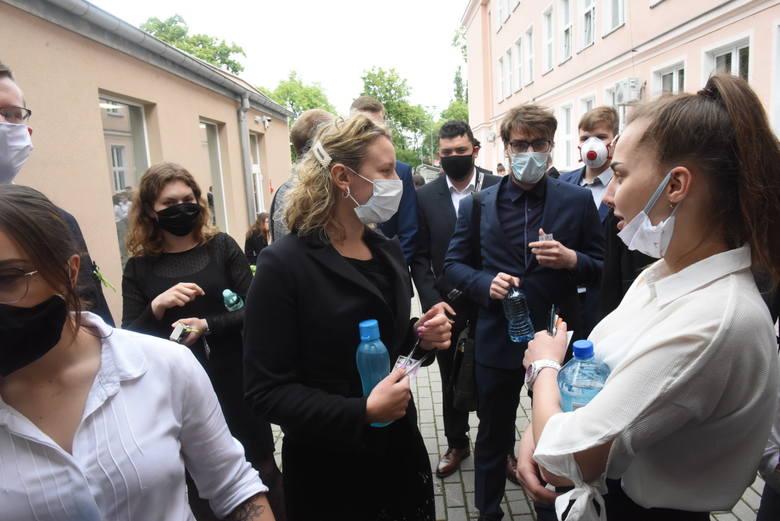 W takich nastrojach rozpoczynają w poniedziałek, 8 czerwca, maturę z języka polskiego absolwenci III oraz VII LO w Zielonej Górze