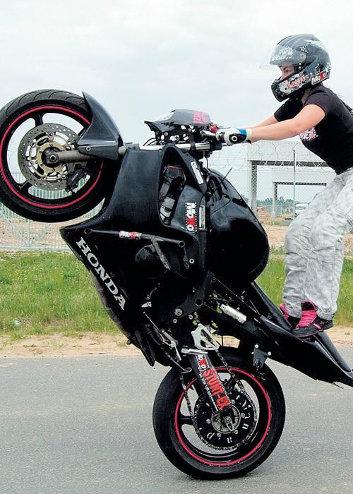 Jedna z figur stuntu.