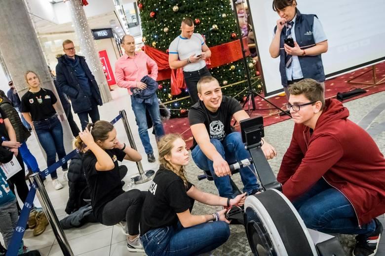 W Focus Mall Bydgoszcz odbyło się wiosłowanie dla Wielkiej Orkiestry Świątecznej Pomocy. W sobotę z okazji 27. finału WOŚP bydgoszczanie podjęli się