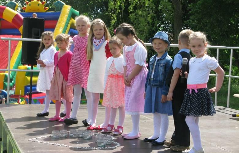 W Gosławicach zorganizowano Festyn Rodzinny. Podczas festynu uczniowie i przedszkolaki z Zespołu Szkolno-Przedszkolnego, prowadzonego przez Stowarzyszenie