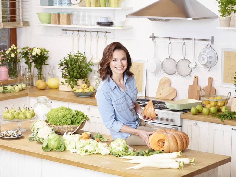 Świetnie się bawiłam dubbingując Tartę Migdałową, jestem z siebie bardzo zadowolona i cieszę się, że zaczęłam działać na tym polu, dlatego nie ukrywam, że z dużą chęcią kontynuowałabym tę przygodę. A czy to mi się uda? Czas pokaże! – mówi Anna Starmach, znana kucharka i jurorka, którą już...