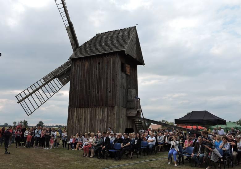 Drewnowo-Ziemaki. Spotkanie pod wiatrakiem, 8.09.2019. Setki ludzi spędziło niedzielę na gminnym festynie, po 10-letniej przerwie