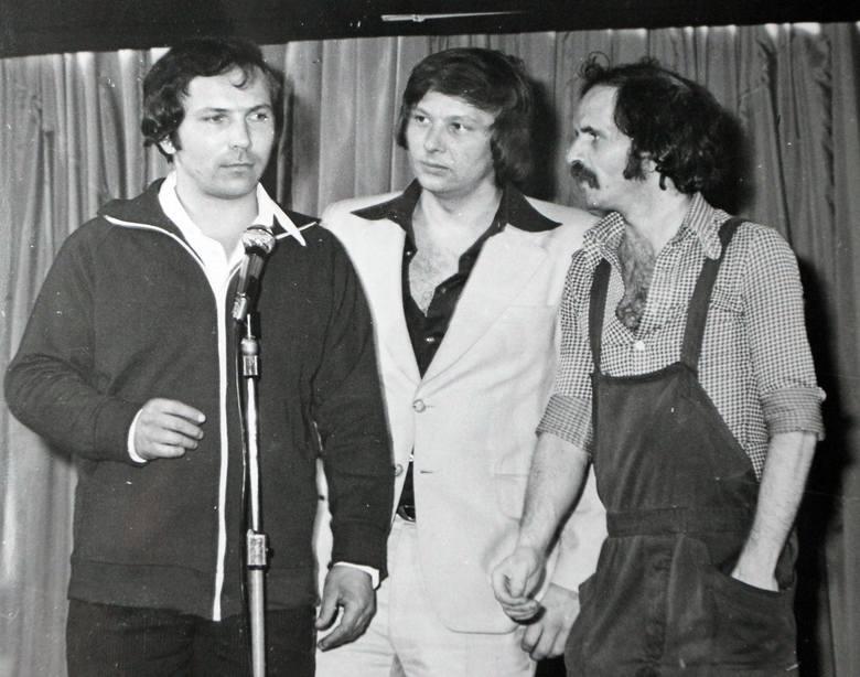 50 lat temu trzech studentów Wyższej Szkoły Wychowania Fizycznego - Aleksander Gołębiowski, Krzysztof Jaślar i Zenon Laskowik  założyło kabaret Klops,