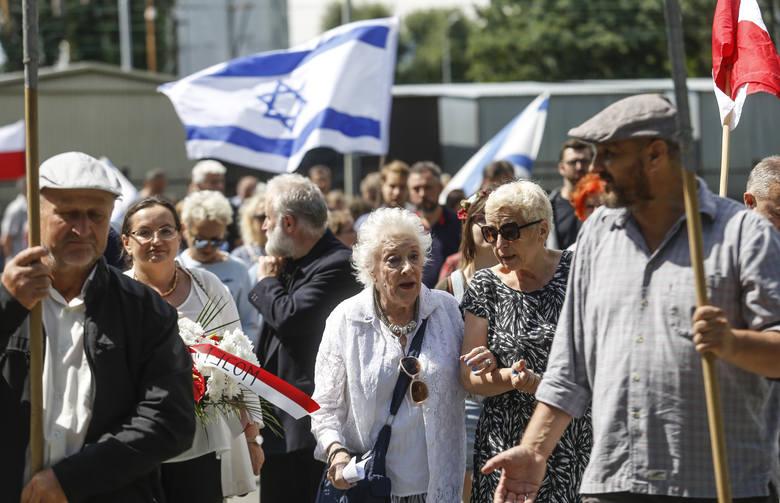 Po raz 16. odbył się w Rzeszowie marsz upamiętniający likwidację Getta. Jego uczestnicy przeszli wczoraj ze stacji kolejowej na Staroniwie do Placu Ofiar