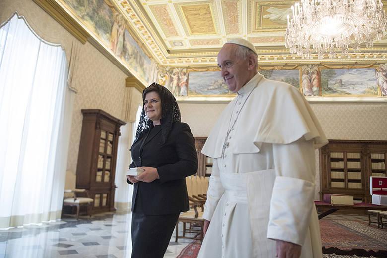 Premier Beata Szydło: - Nie ukrywam, że spotkanie z papieżem Franciszkiem było dla mnie, jako osoby wierzącej, dużym przeżyciem