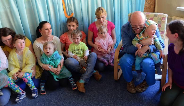 Barciś nagrywa płytę z dziećmi z zespołem DownaBarciś nagrywa płytę z dziećmi z zespołem Downa