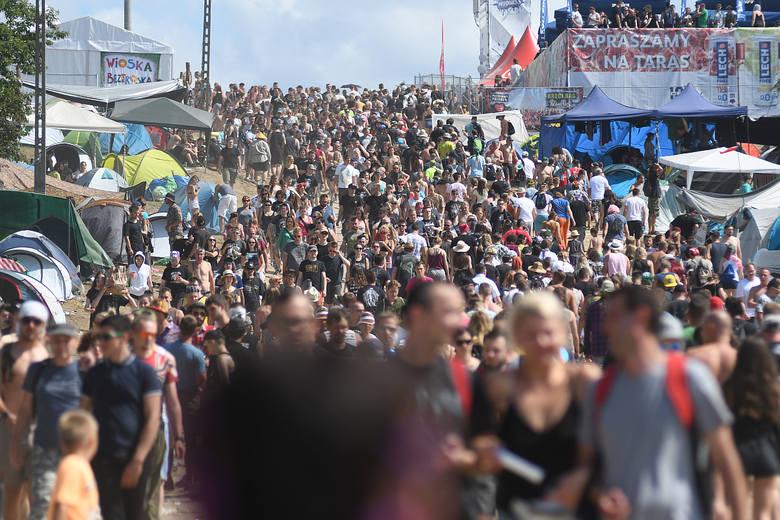 Organizacja Pol'and'rock Festiwalu to co roku ogromne przedsięwzięcie logistyczne. Pierwsze prace na festiwalowej łące w Kostrzynie nad Odrą zaczynają