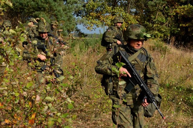 Egzamin i przysięga żołnierzy Wojsk Obrony Terytorialnej w Zgierzu