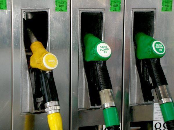 Wciąż najtańsza benzyna 95-oktanowa jest w Stąporkowie na stacji EMEKS przy ulicy Piłsudskiego