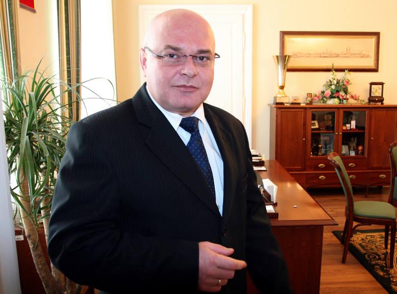 Ryszard Nowak, prezydent Nowego Sącza: 16 tys. 717 zł